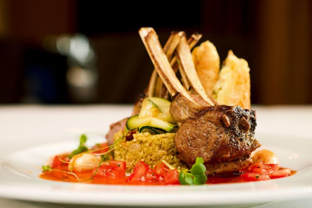 CLUB DINNER: Inside Dining